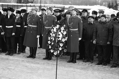 Возложение венков у Монумента Победы