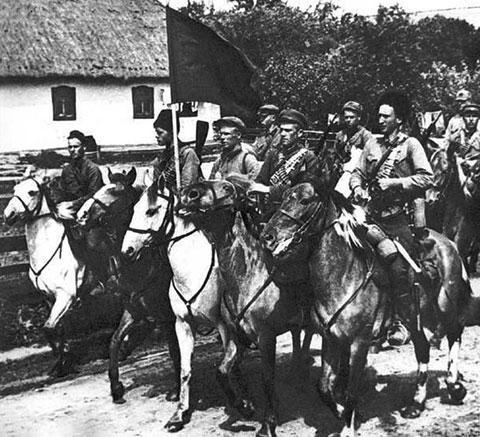 Красные конники на марше