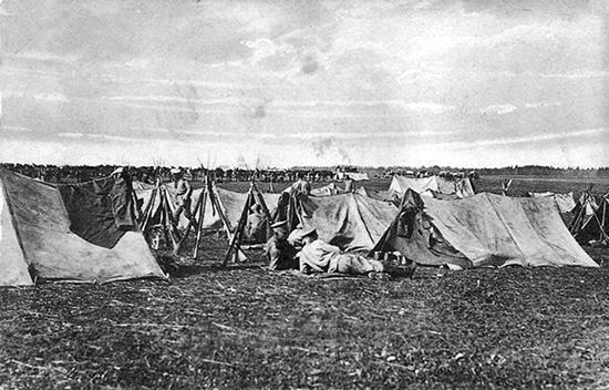 Русские солдаты на биваке 1914 г.