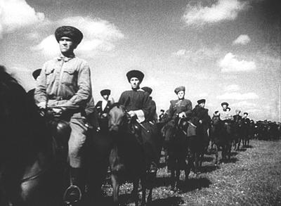 Кавалеристы-добровольцы Кабардино-Балкария, август 1941 г. Кадр кинохроники, из фондов РГАКФД