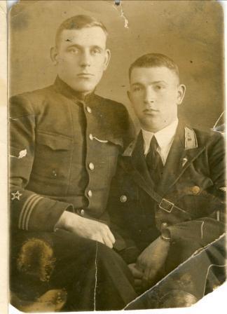 В. Силантьев с братом Николаем. г. Владимир. Март 1941 года