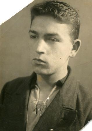 В.В. Силантьев перед поступлением в летную школу. 1938 год