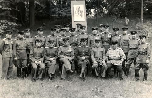Командный состав 18 автомобильной бригады в день вручения Ордена Кутузова 2 – й степени. 1944 год. Отец 2 – й слева в первом ряду.