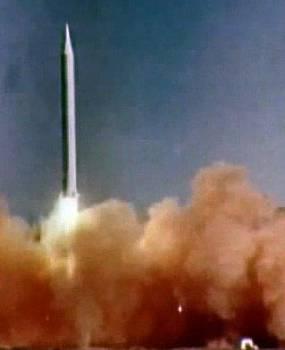 Рис. 17. Учебно-боевой пуск стратегической ракеты средней дальности Р-12