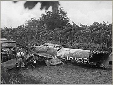 Рис. 24. Сбитый американский самолет-разведчик U-2