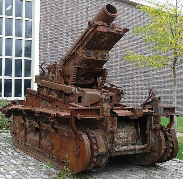 280-мм гаубица Шнейдера на шасси Сен-Шамон.
