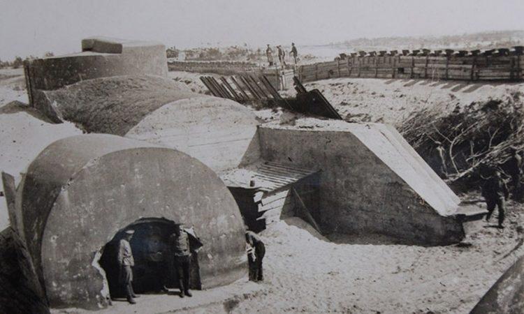 Бетонные убежища и наблюдательный пост крепости Осовец. 1915 г.