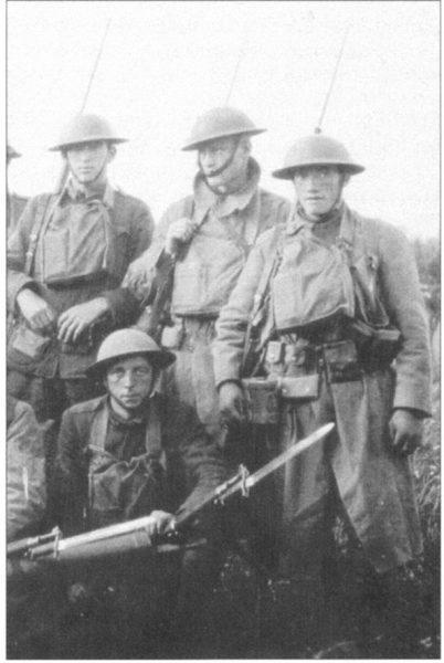 Сентябрь 1918 г. Бойцы 1-й и 16-й пехотных дивизий на фронте в районе Сен-Миеля.
