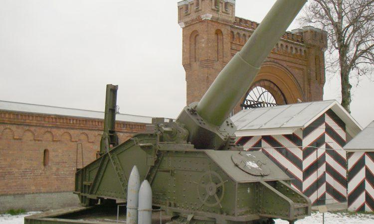 305-мм гаубица. Санкт-Петербургский музей артиллерии.