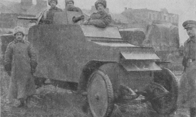 Бронеавтомобиль на шасси Рено. Нива. 1915. № 30.