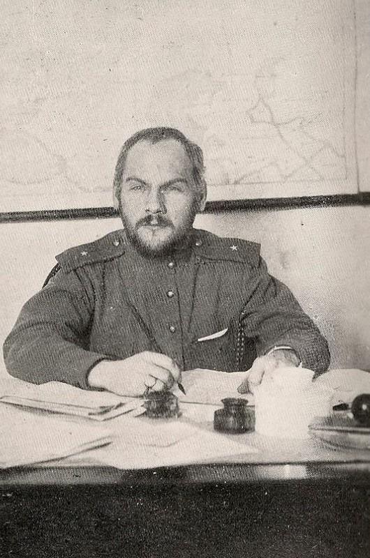 Верховный главнокомандующий русской армией прапорщик Н. В. Крыленко