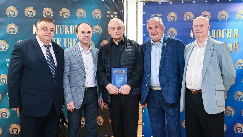 Слева направо: А.И. Махнач, Е.А. Лозовик, Г.В. Васильев, В.А. Гурковский, С.Г. Кулешов.